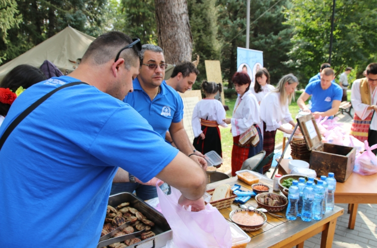 Warm lunch for people in need / Veliko Tarnovo